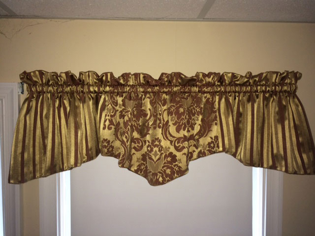 Victorian Valance for a Luxurious Look
